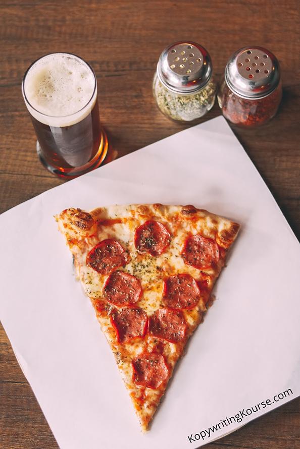 upsplash pizza photo